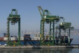 Balança comercial registra menor resultado para outubro em cinco anos